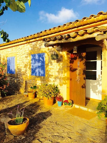 Room in cozy country majorcan house - Manacor - Rumah