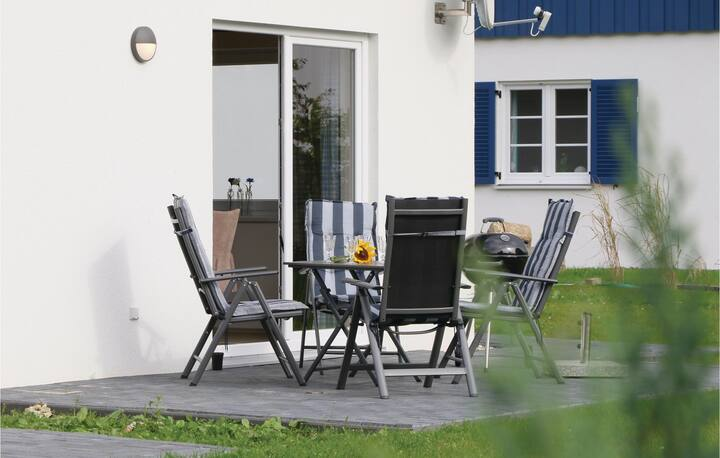 Beautiful home in Altefähr/Rügen with 2 Bedrooms and WiFi