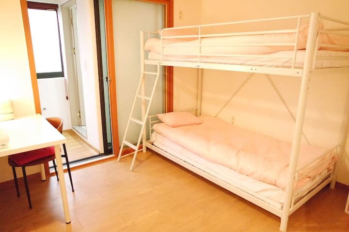★Private room for Female★B  In Hongdae