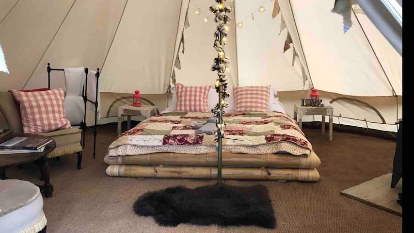 The Black Swan luxury Inn B&B Glamping Experience