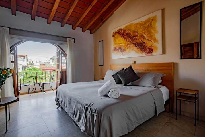 King Suite Apartment Balcony, Suite 7