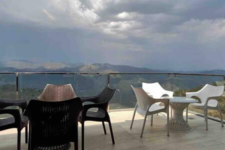 Pine Peak| Family Room | Private Kitchen & Balcony