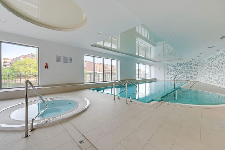 Studio apartment with pool, spa&gym included!