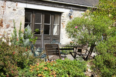 Pretty farm cottage near Helford River - Constantine