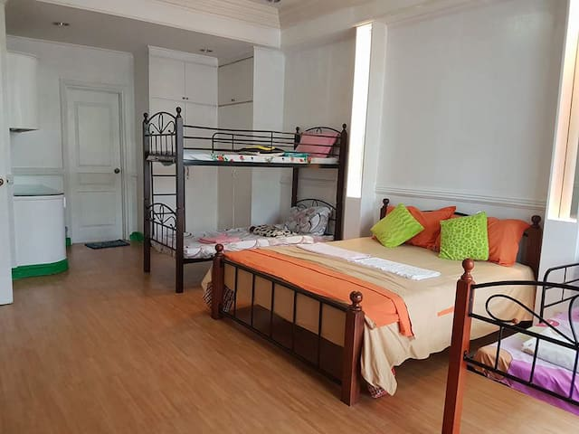 AFFORDABLE FAMILY THIS SUMMER manila - Manila - Guesthouse