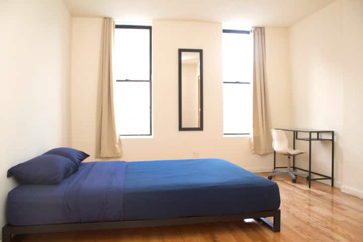 Large Sunny 2 Bedrooms in Manhattan-Steps2Subway