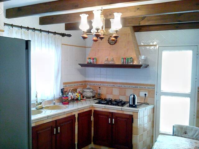 Habitacion privada al estilo rustico con chimenea - Aguadulce - Casa adossada