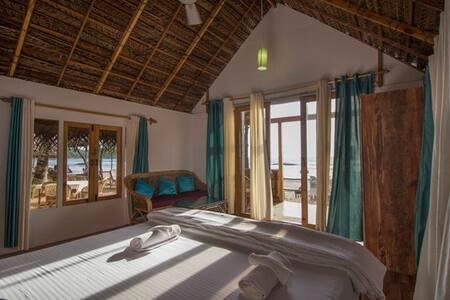 Premium Sea Facing Wooden Huts @ Agonda Beach - Agonda - Hütte