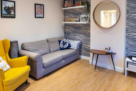 Fishermans Rest- one bedroom with parking