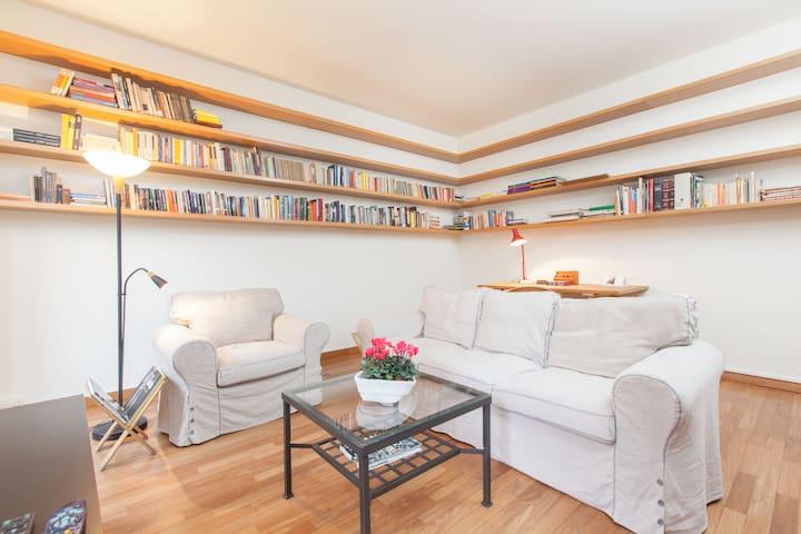 Central Milan comfortable sleeps 5 Special Offer - Milano - Appartamento
