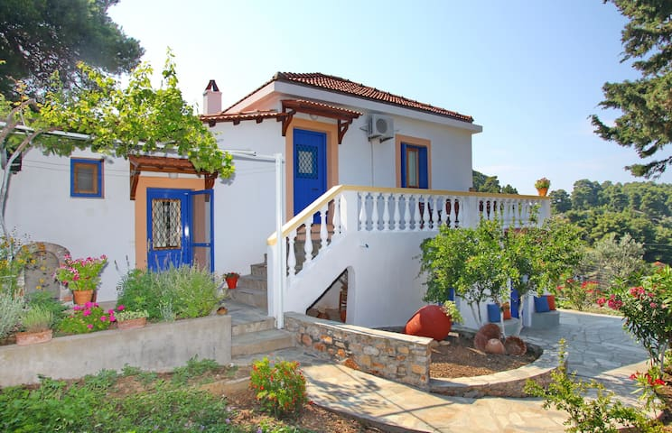 COUNTRY HOUSE-PEFKI - Skopelos - Apartment