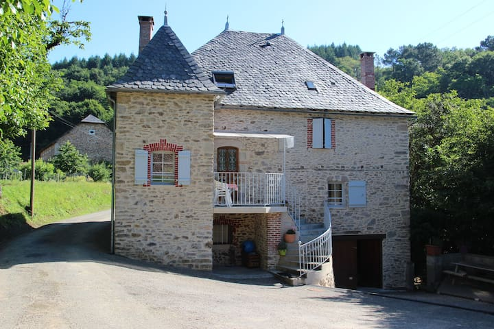 Maison de famille tout confort - Altillac - Haus