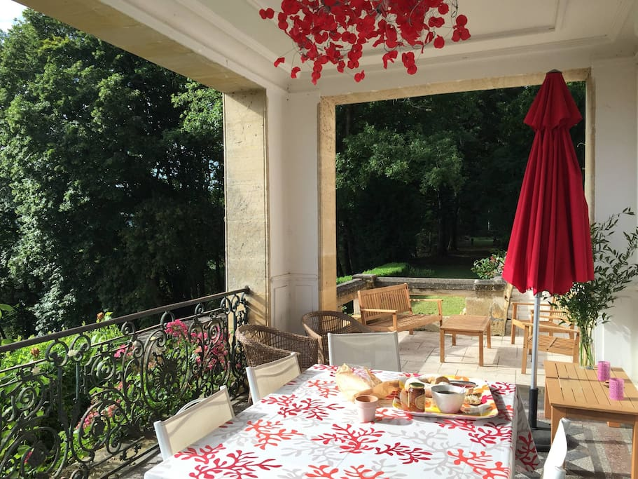 Petit déjeuner en terrasse ?