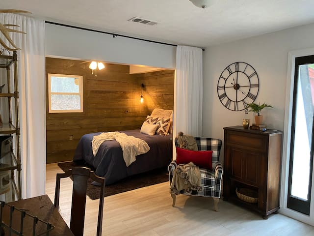 Master suite with office/ sitting area