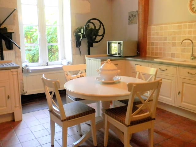 Apartment within an old mill - Saint-Vincent-Jalmoutiers - Flat