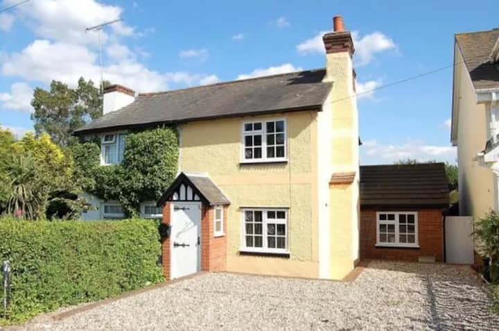 Stunning 2 bedroom Cottage in Mountnessing, Essex