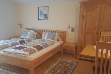 Krknjak Bed&Breakfast 2 - Tauplitz - ที่พักพร้อมอาหารเช้า