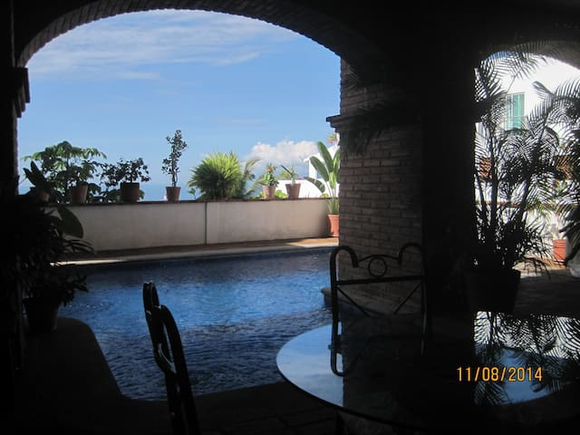 beautiful apt next to torre malibu - Puerto Vallarta - Departamento