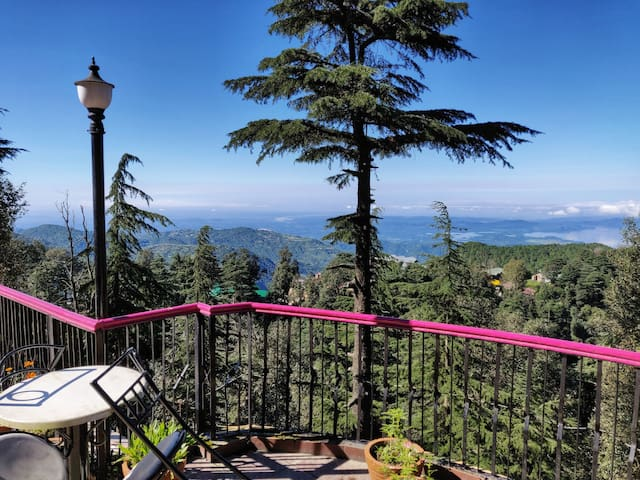 Delightful Stay at DALHOUSIE