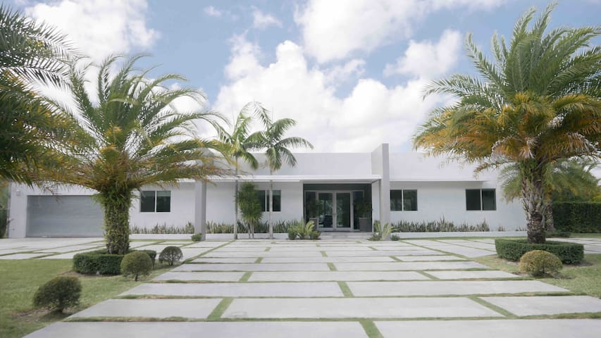 Spectacular Modern Home - isolated