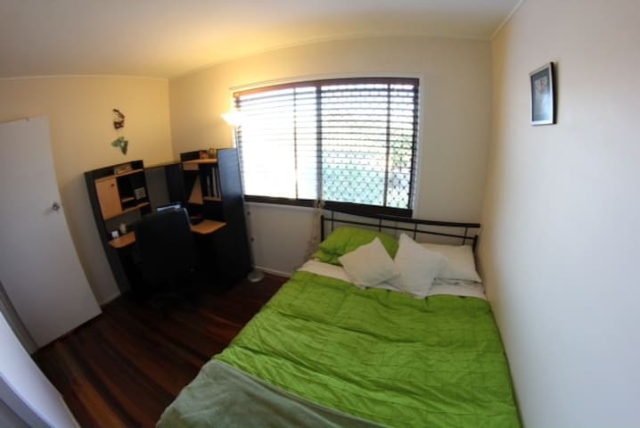 Fully Furnished, Friendly host 4 u - Yeerongpilly