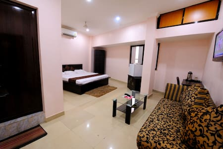 Comfy & pocket friendly@Hotel Amit Regency