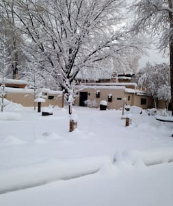 Lumina Gardens- Entire family Home-Casa Feliz 1# - Taos