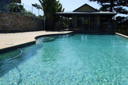 'Eagles Nest' - Best Views in Byron - Mullumbimby - Casa