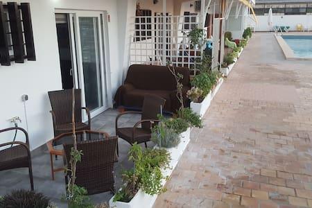 Coqueto y reformado apartamento cerca del mar