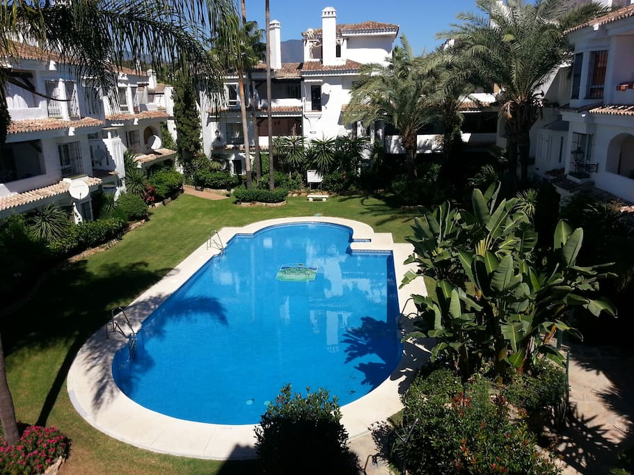 Penthouse-in-Los-Naranjos-de-Marbella-available-for-vacation-rental