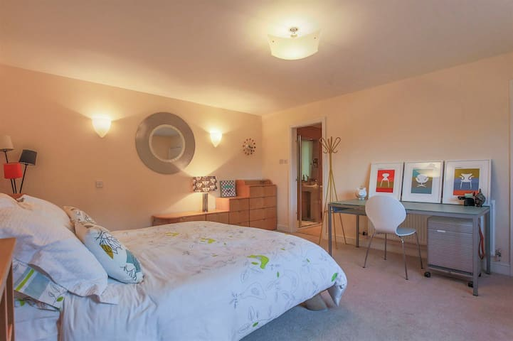 Large Ensuite Bedroom ~ home with (unheated!) pool
