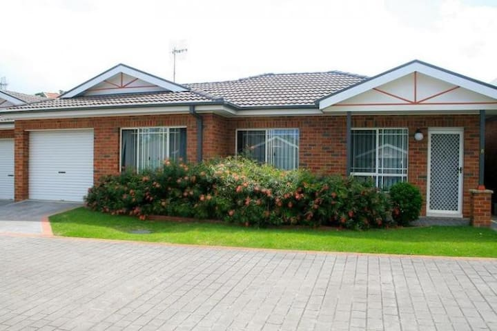CLOSE TO TOWN & BEACH - Ulladulla - Leilighet
