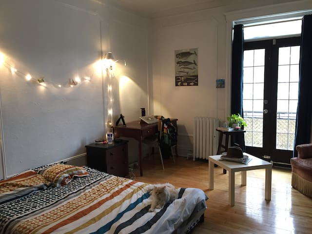 Grande chambre Outremont