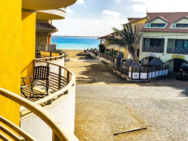 Warm & fine apartment close to Center and Beach