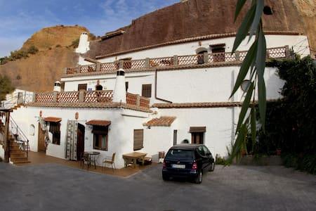 Cuevas Blancas(1 personas hasta 4 ) - Baños de Graena (Cortes y Graena) Guadix Granada - Cave