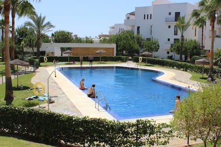 2 bedroom apartment near the beach - La Cala de Mijas