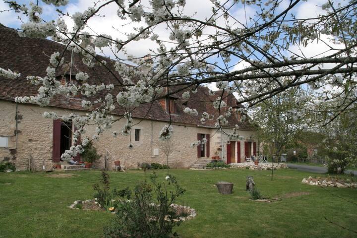 Maison d'hôte de caractère Périgord - Fossemagne - Bed & Breakfast