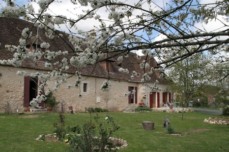 Maison d'hôte de caractère Périgord - Fossemagne - ที่พักพร้อมอาหารเช้า
