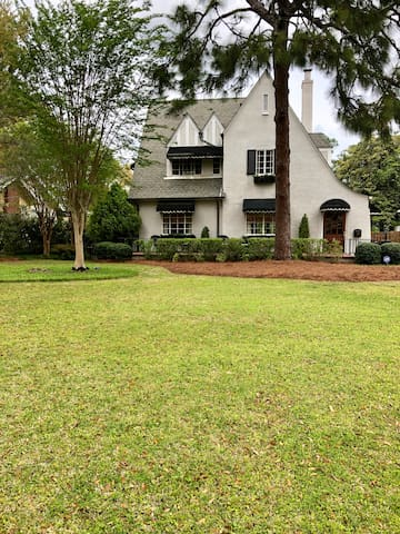 Private home 1.5 miles from Augusta National