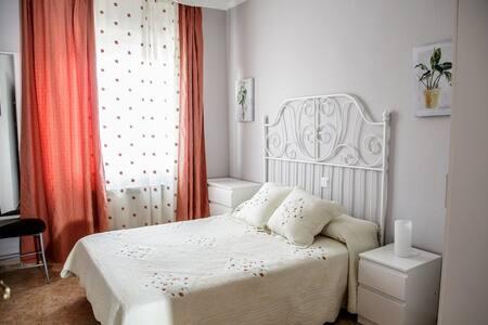 Casa para 8 personas con Jacuzzi, Sauna y Barbacoa