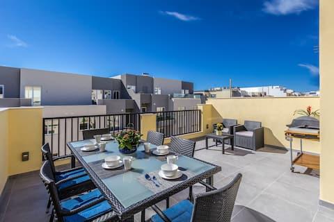 Sunny Modern Penthouse