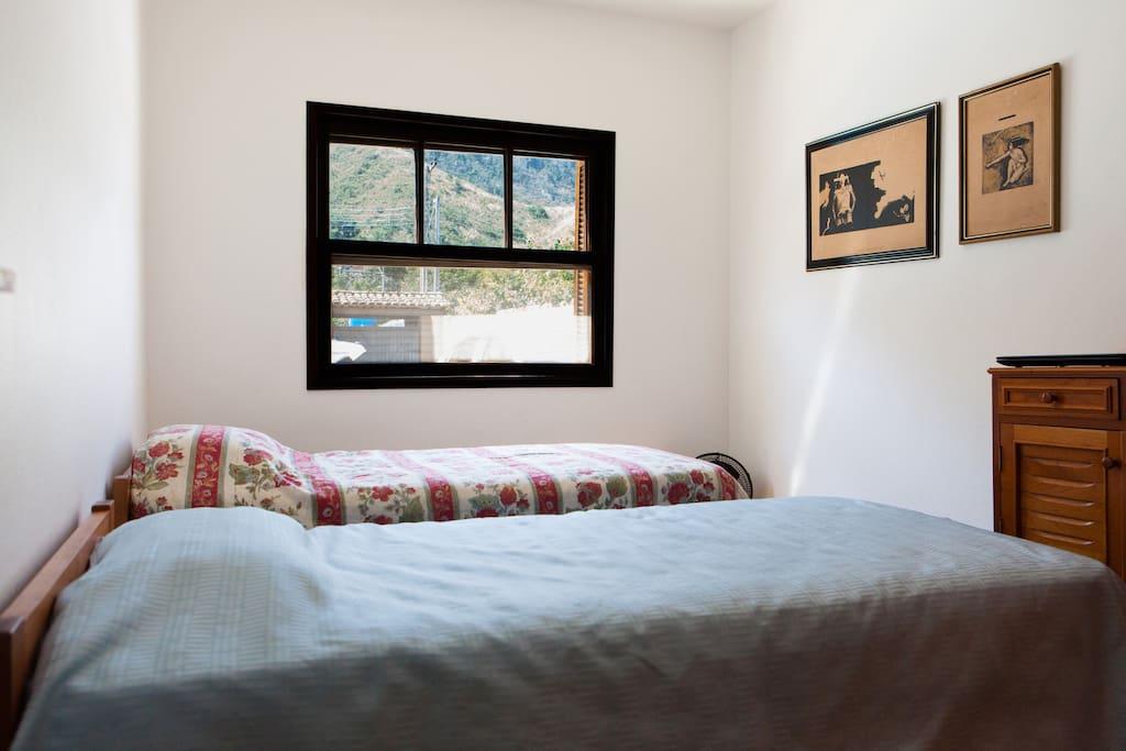 Quarto casal/solteiros (camas com possibilidade de junção)