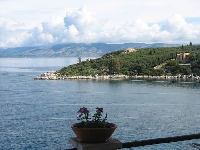 Corfu, Greece Apartment 4 -sea view - Kassiopi  Corfu   - Wohnung