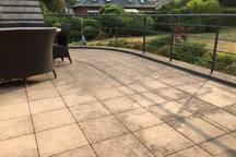 terrasse avec vue sur le jardin