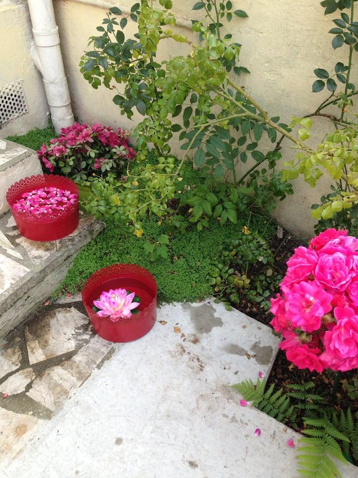maison  4 PERSONNES avec jardin très bien situé
