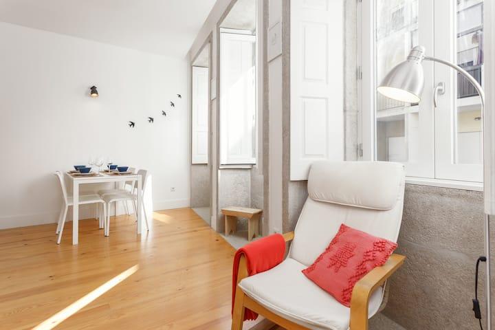 the 96.1 apartment at Cedofeita | CLEAN & SAFE