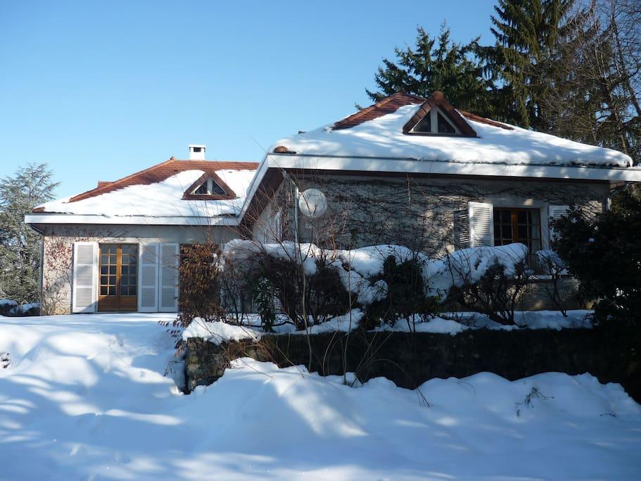 La maison en hiver / House under the snow