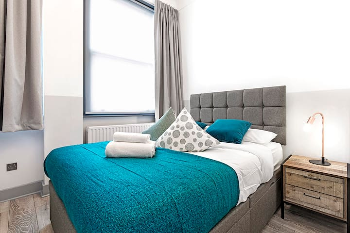 Modern 1 bedroom Earls Court (6NH)