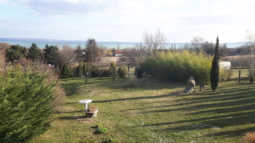 Peaceful and panoramic house - Balatonrendes - House