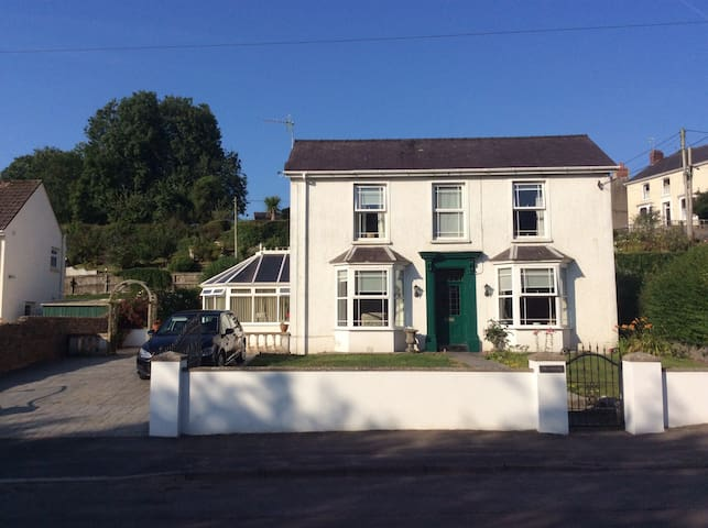 The Dingle, Llansteffan - A Home Away From Home